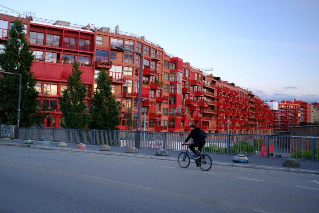 Wohnstandortentscheidungen sind stets mit Mobilität verbunden. Foto: Benedikt Glitz (Monumentenbrücke, Berlin)